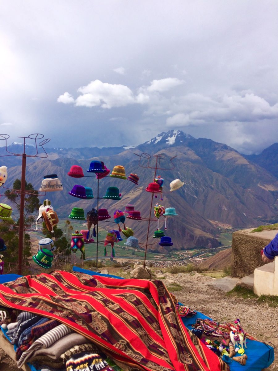 Peruvian textiles and handicrafts 3700m up in the air